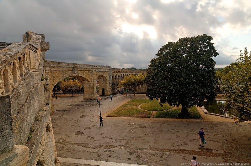 La promenade du peyrou en arri re plan l 39 aqueduc des - Residence les jardins de l aqueduc montpellier ...