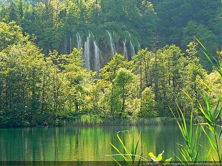 Cascade dans les lacs supérieurs