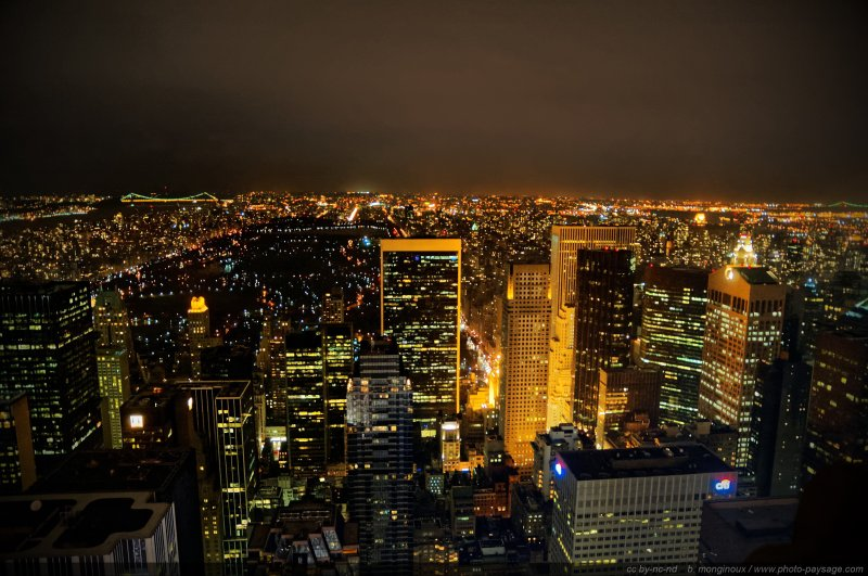 Manhattan Midtown, panorama nocturne - A l'arrière plan : Central Park