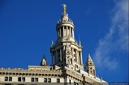 Statue_Civic_Fame-Manhattan_Municipal_Building.jpg
