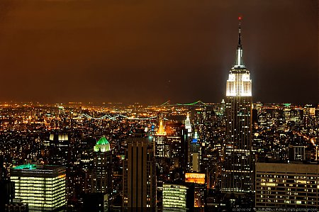 new-york-la-nuit-empire_state_building.jpg