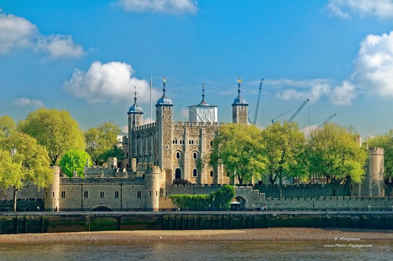 La tour de londres vue depuis la tamise londres royaume uni for Tour de verre a londres