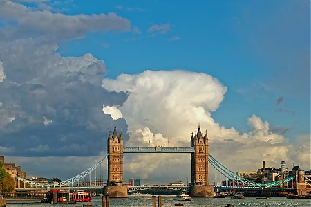 Londres_-_Tower_Bridge_-_12.jpg