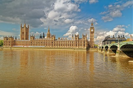 Big_Ben_et_le_Parlement_-01.jpg