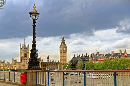 Big_Ben_et_le_Parlement_-02.jpg