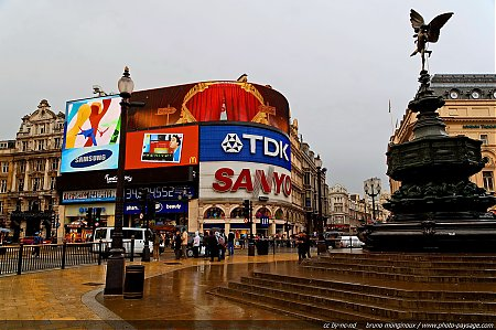 Eros_-_Piccadilly_Circus.jpg