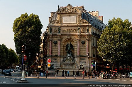 La fontaine St Michel