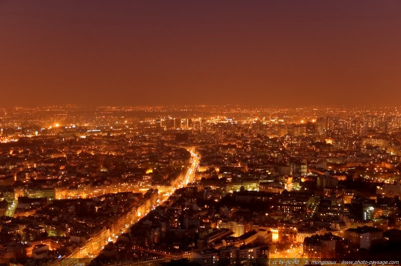 paris at night. Paris by night : Montparnasse