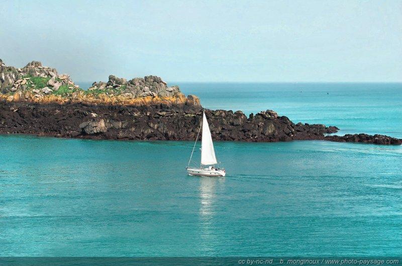 �������� ������ ���� ���� ������� normal_Bretagne-Ile_des_landes-voilier.jpg