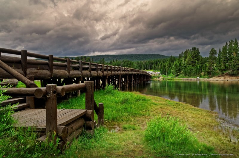 Le fishing bridge et la rivière de Yellowstone, parc national de Yellowstone, Wyoming, USA