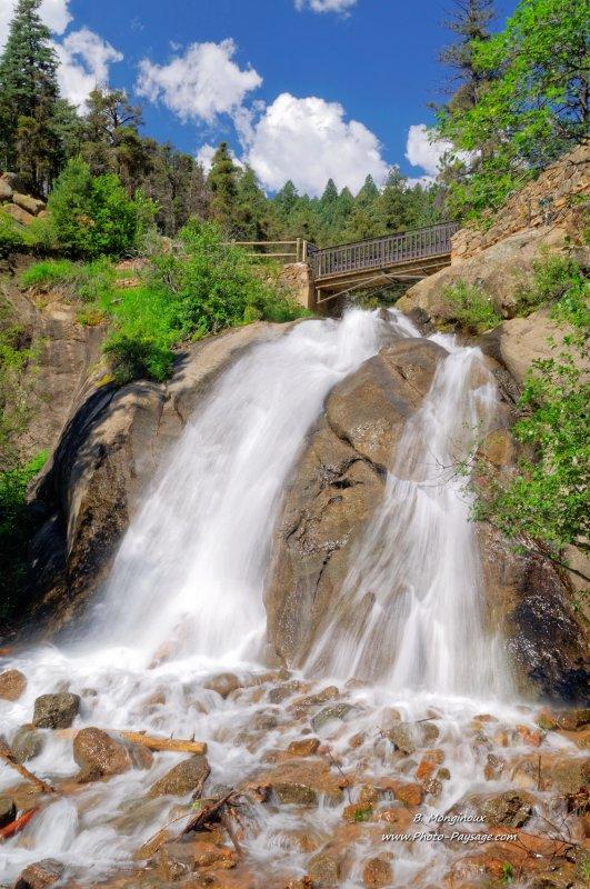 La cascade de Helen Hunt Falls, sur la rivière de Cheyenne Creek, dans le North Cheyenne Cañon Park, (Colorado Springs, Colorado, USA)