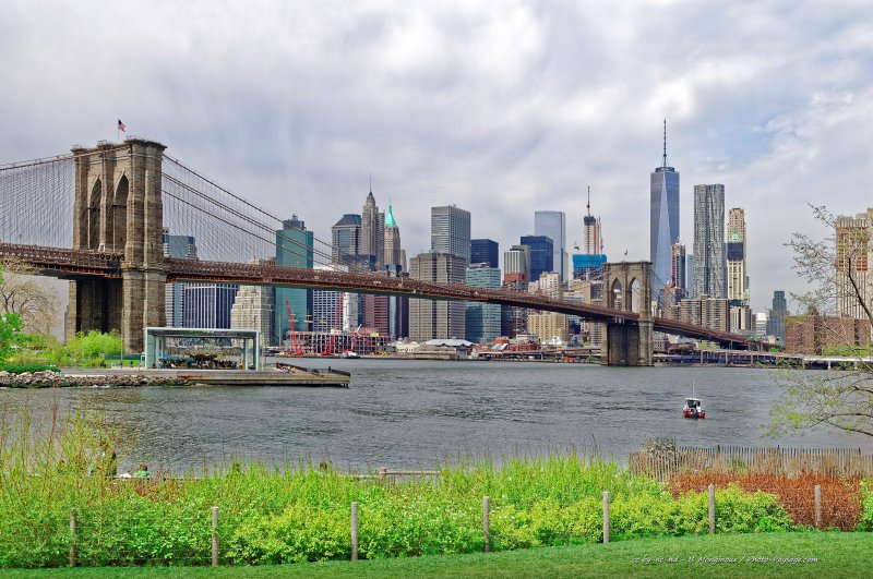 Le Brooklyn bridge et Manhattan - New-York, USA