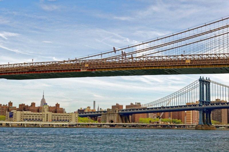 le tablier du pont de brooklyn en arri re plan le pont. Black Bedroom Furniture Sets. Home Design Ideas