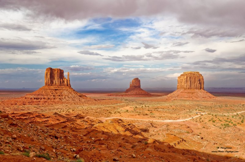 Monument Valley, à la limite entre l'Utah et l'Arizona (USA)
