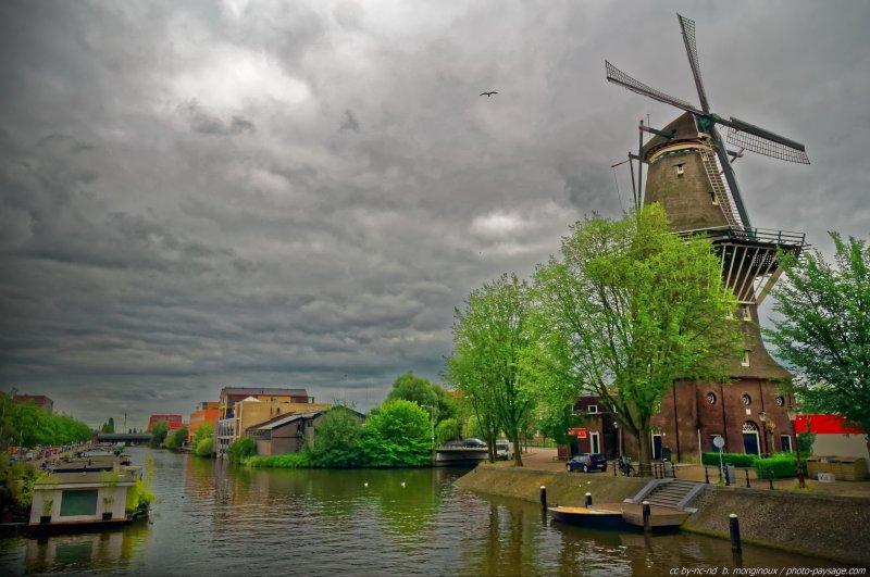 Un moulin à vent à Amsterdam