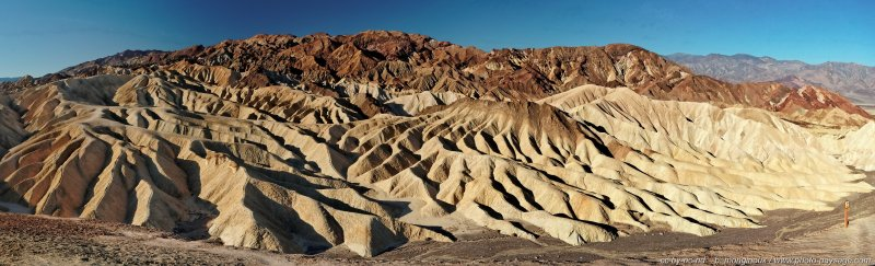Vue panoramique de Zabriskie Point dans le désert de la Vallée de la Mort