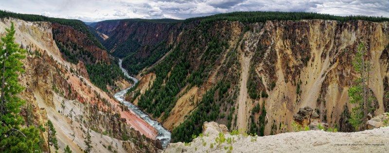 Et pour finir une vue panoramique HD du grand canyon de Yellowstone, et de la rivière qui serpente en contrebas.