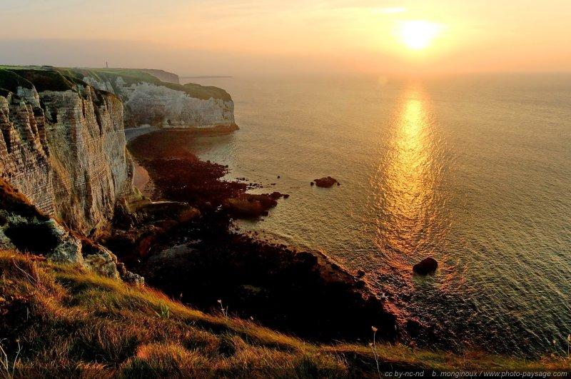 Coucher de soleil sur les falaises normandes tretat for Haute normandie active