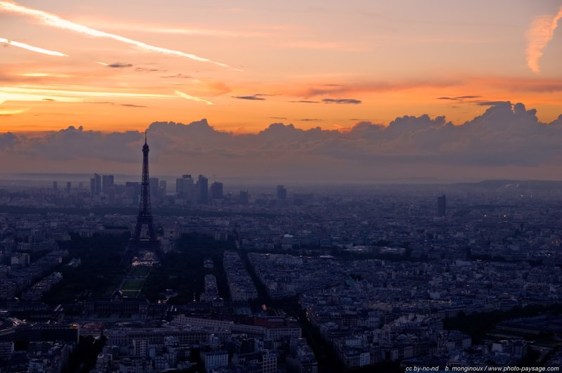 Photo du jour la nuit tombe sur paris le blog de photo for Paris paysage