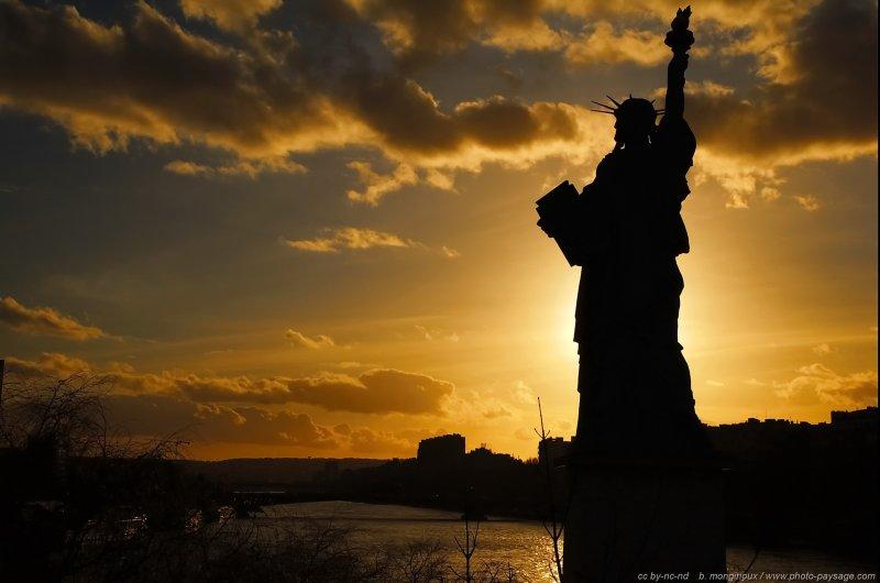 Photo du jour : Statue de la Liberté sur Seine | Photo-Paysage.com, le blog