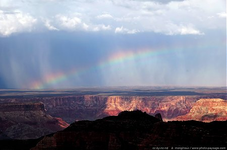 Arc-en-ciel-sur-le-Grand-Canyon.jpg