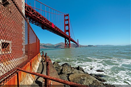 Au-pied-du-Golden-Gate-bridge.jpg