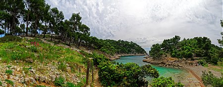 Calanque-de-Port-Pin2C-vue-panoramique.jpg