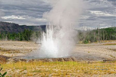 Cliff Geyser   2