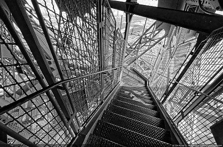 Nom du fichier dans l escalier de la tour du fichier 4783kod - Dimensions de la tour eiffel ...
