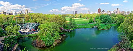 Delacorte-Theater2C-Turtle-Pond-et-Great-Lawn-vue-depuis-Belvedere-Castle.jpg
