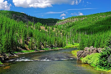 Firehole-river-2.jpg