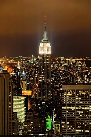 L_Empire_State_Building_photographie_de_nuit_-_02.jpg