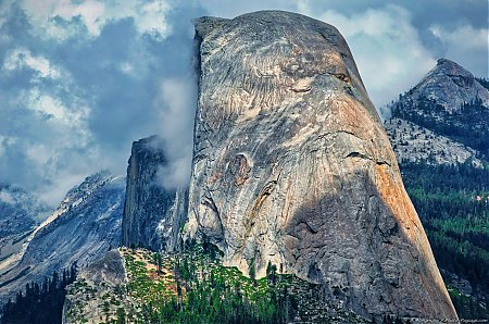 Le Half Dome vu depuis Glacier Point