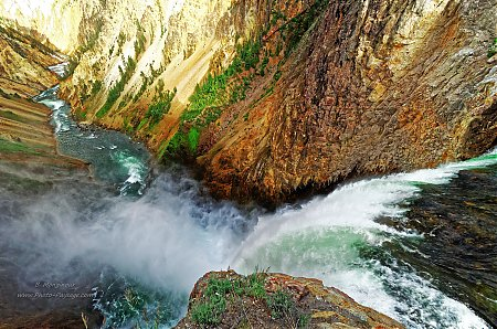 Les-Lower-Falls-et-le-canyon-de-Yellowstone.jpg