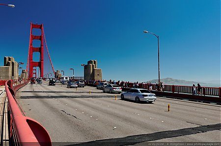 Les-voies-de-circulation-du-Golden-Gate-bridge.jpg