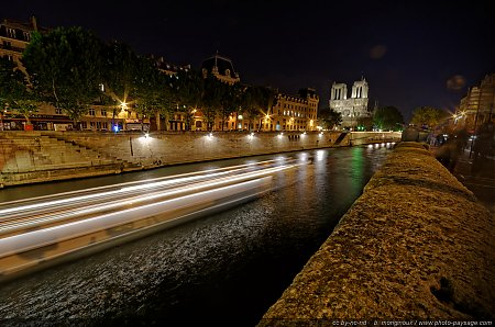 Paris-by-night---l-Ile-de-la-Cite.jpg
