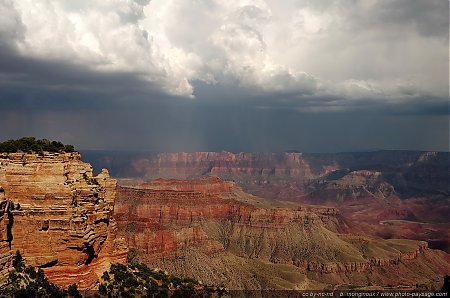Pluie sur le Grand Canyon