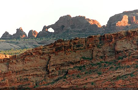 Plus-de-2000-arches-naturelles-sont-dispersees-dans-le-parc-national-de-Arches.jpg