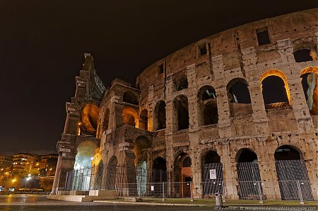 Rome-le-Colisee-by-night-2.jpg