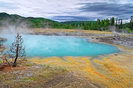 Sources-thermales-de-Black-sand-basin.jpg