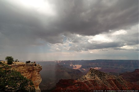 Une averse arrive sur le Grand Canyon (Cape Royal)