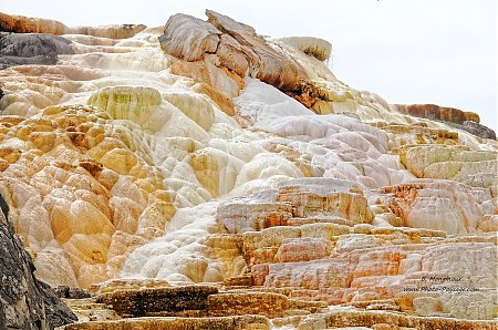 Yellowstone-Mammoth_hot_springs-1.jpg