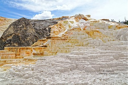 Yellowstone-Mammoth_hot_springs-3.jpg