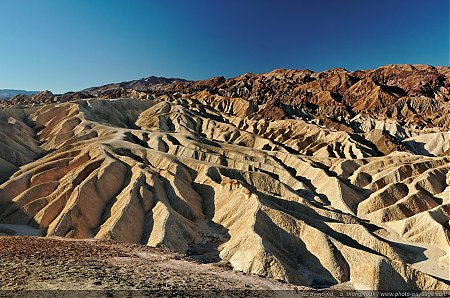 Zabriskie-Point2C-Vallee-de-la-Mort.jpg