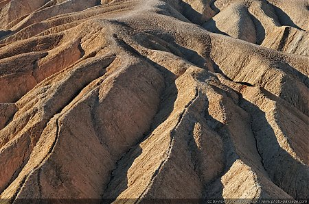 Zabriskie Point, un site autrefois exploité pour ses ressources en Borax