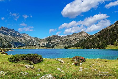 lac-paysage-montagne-pyrenees-14.jpg