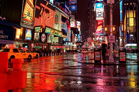 time-square-la-nuit-2.jpg